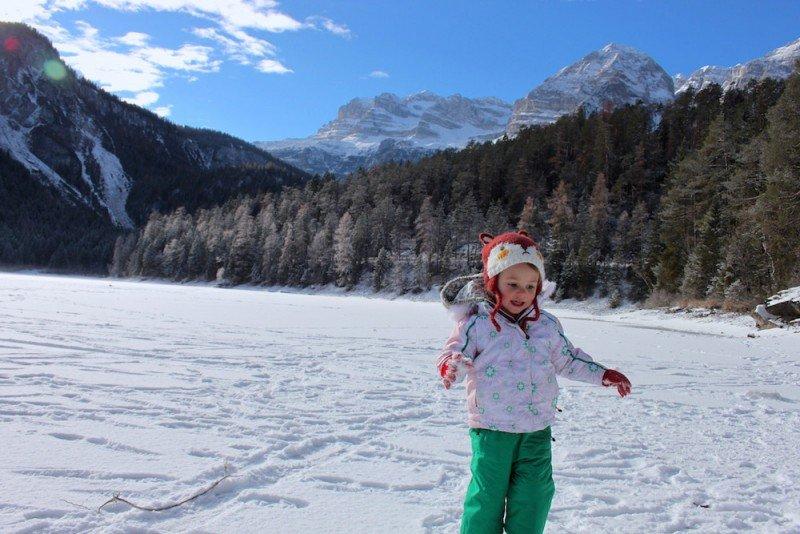 lago di tovel ideale con i bambini in tutte e stagioni
