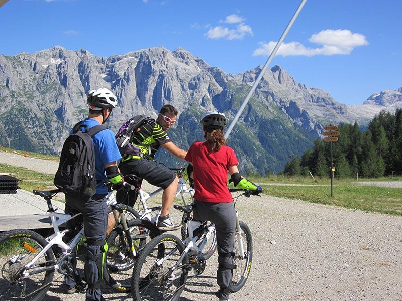 mountain bike in val di sole ti amo trentino