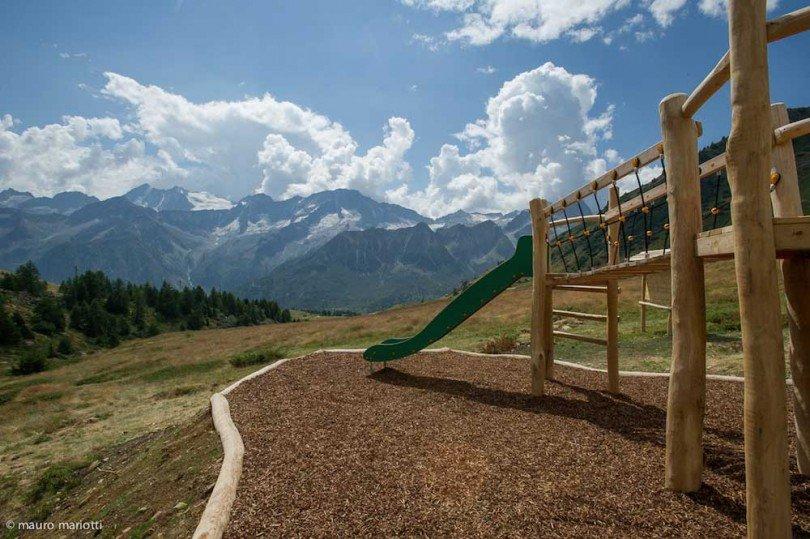 il panorama che ci circonda visto dal villaggio delle marmotte, parco giochi a 2250 metri di quota