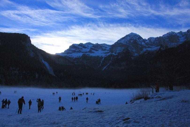 pattinare, passeggiare, cosa fare al lago di tovel in inverno