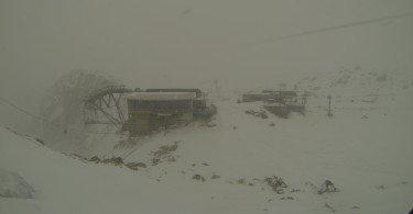 neve-al-passo-paradiso-tonale-ice-climbing