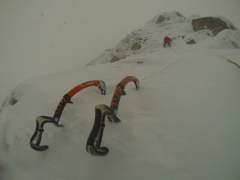 scalare-cascate-di-ghiaccio-in-compagnia