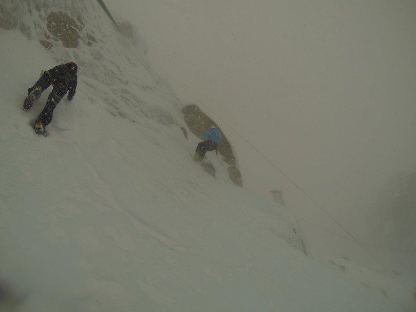 scalare-cascate-di-ghiaccio-in-compagnia-delle-guide